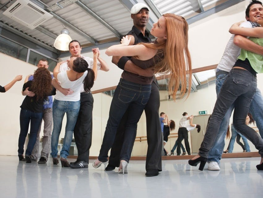 How to choose the right salsa classes?